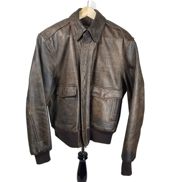 38862dab8 Vintage Banana Republic mill valley leather bomber